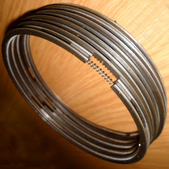 Кольцо маслосъемное с эспандером 171.04.022